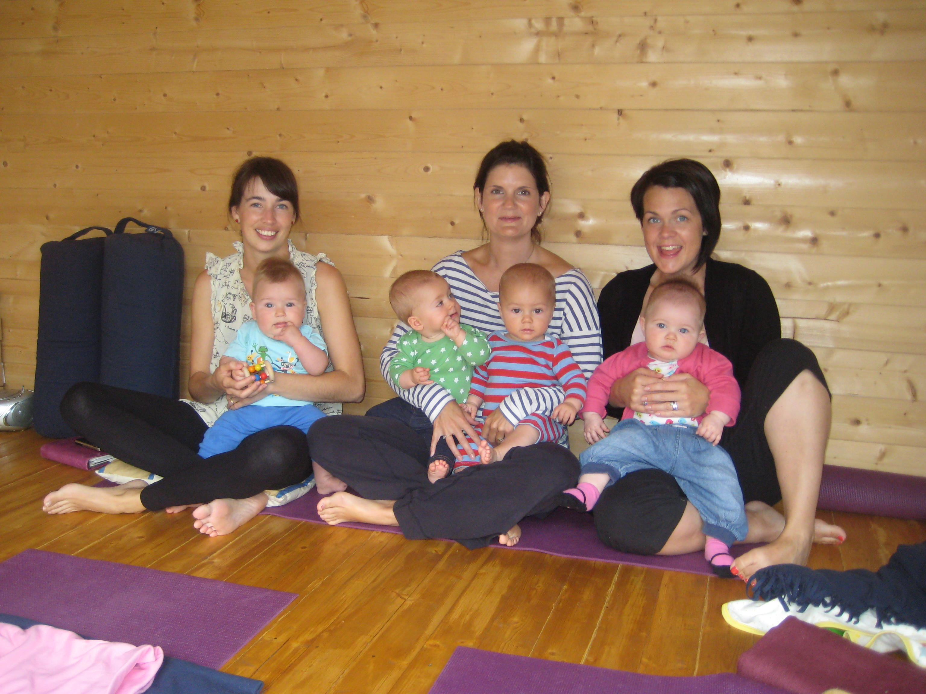 mother and baby yoga student of Hannah Waldman brighton and Hove