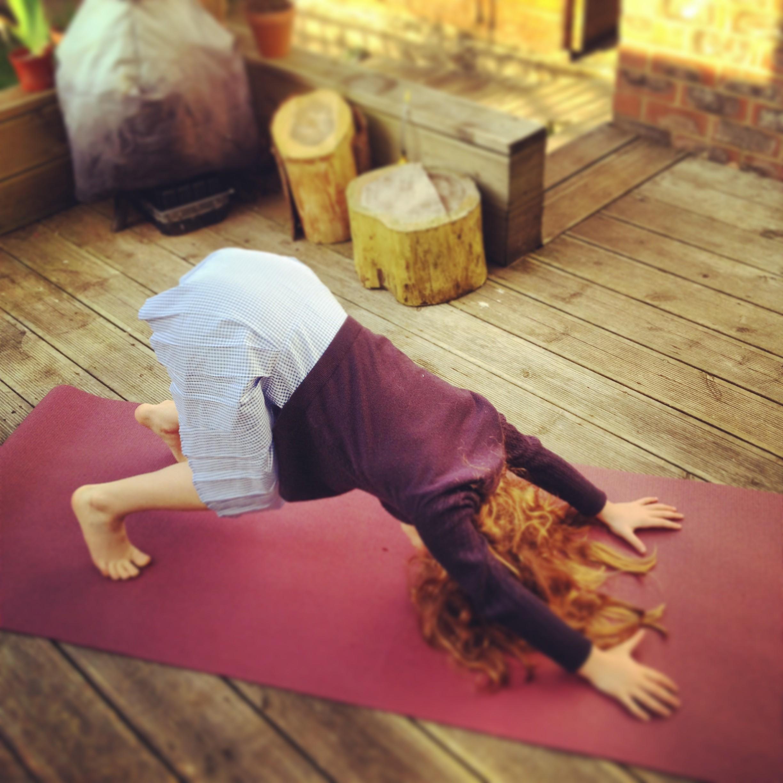 hannah waldman mother and baby yoga hove yoga studio